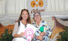 odlums-catherine-leyden-with-6th-prize-winner-pippa-crutchley-of-116-thoroyhill-road-crossgar-co-down-1