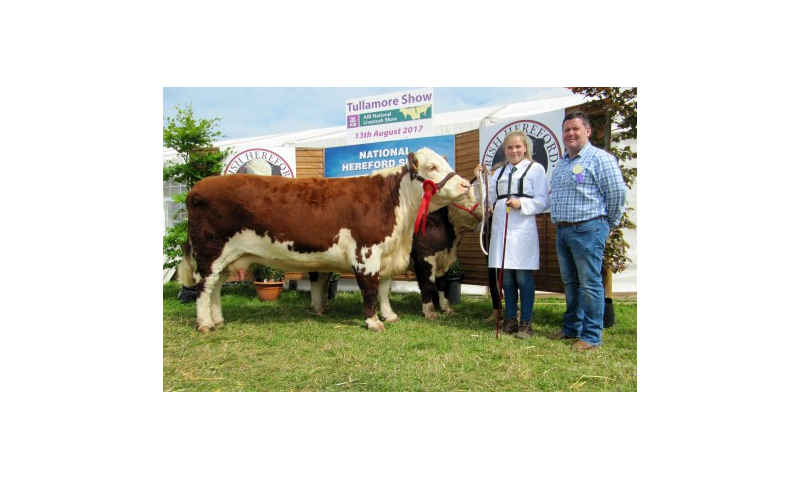 94-cow-class-winner-corlispoll-1-sydney-607-with-ciara-mcnamara-and-emmet-somers-of-sponsors-pallas-foods.jpg