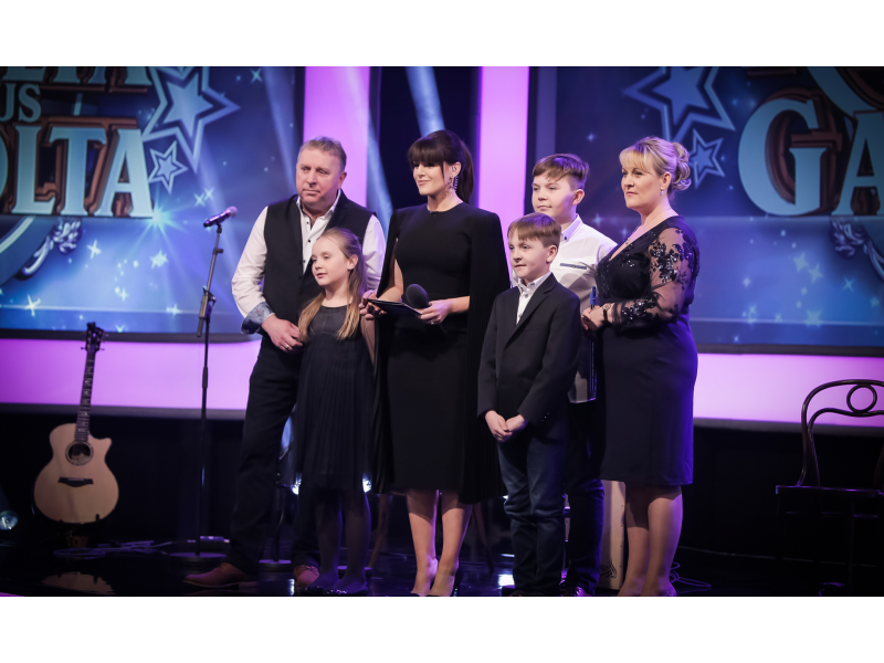 si-ale-seoige-with-the-wrafter-family